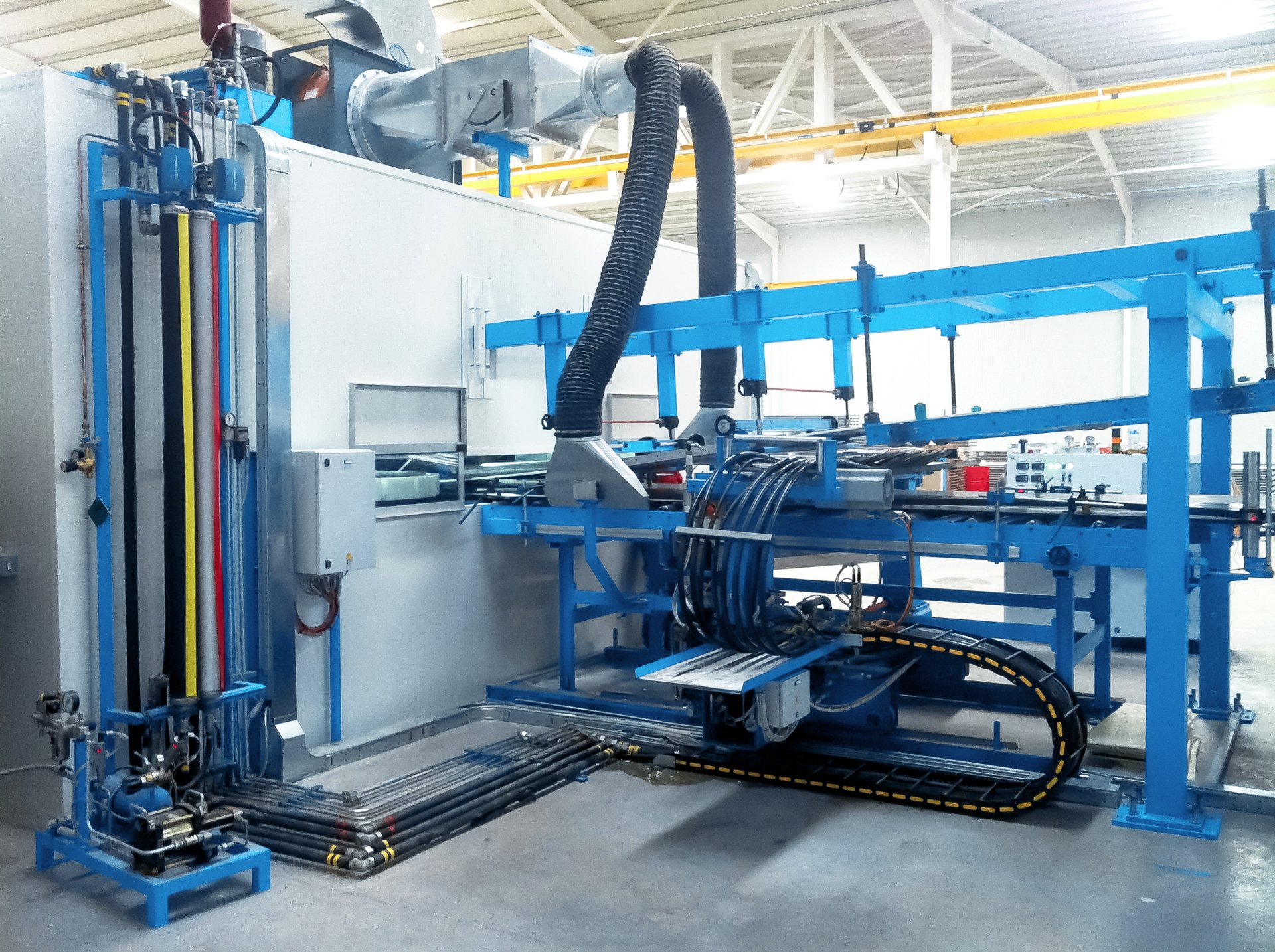 Continuous sandwich panel lines | Hennecke OMS